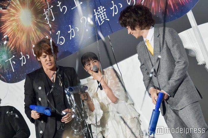 左から:宮野真守、広瀬すず、菅田将暉 (C)モデルプレス