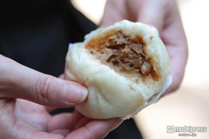 「皇朝」の肉の旨みがぎゅっと凝縮された肉まん