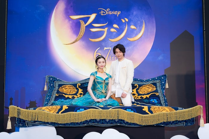 木下晴香&中村倫也(C)2019 Disney Enterprises, Inc. All Rights Reserved.