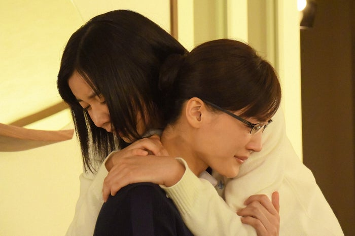 綾瀬はるか、上白石萌歌/「義母と娘のブルース」より(C)TBS