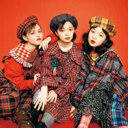 (左から)加藤ナナ、上國料萌衣、田中芽衣(写真提供:徳間書店)