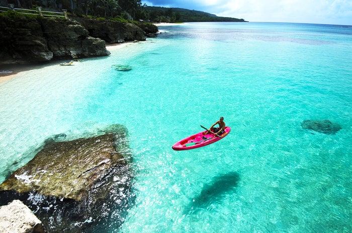 透明度の高さに息を飲むタガビーチの絶景(C)Junji Takasago/MVA