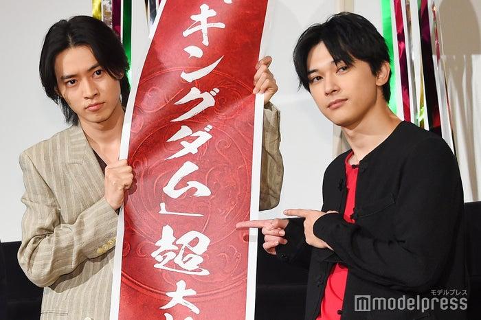 映画『キングダム』大ヒット舞台挨拶(左から)山崎賢人、吉沢亮 (C)モデルプレス