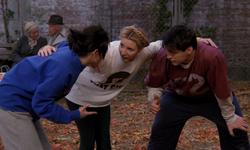 『フレンズ』シーズン3で使用した公園の舞台セットは苦肉の策だった!