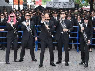 吉本坂46登場で新宿騒然 斎藤司、新人エージェントに初ミッション発令 <メン・イン・ブラック:インターナショナル>