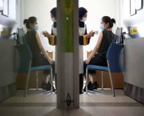 情報BOX:新型コロナウイルス、世界の感染者2億4044万人超 死者510.2万人