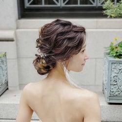 【保存版】結婚式のアップヘアまとめ|トレンドの素敵なアレンジをご紹介!