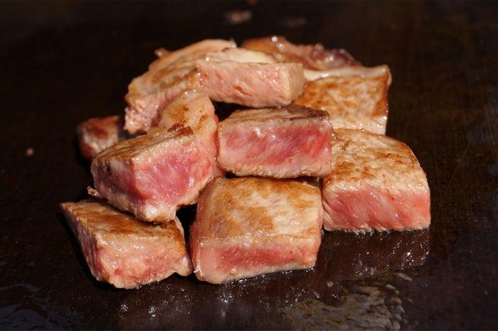 上州和牛 とろける和牛のロースステーキ(とろける和牛の角切りステーキ)/画像提供:ロッキング・オン・ジャパン