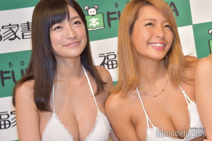 (左から)☆HOSHINO、橋本梨菜(C)モデルプレス