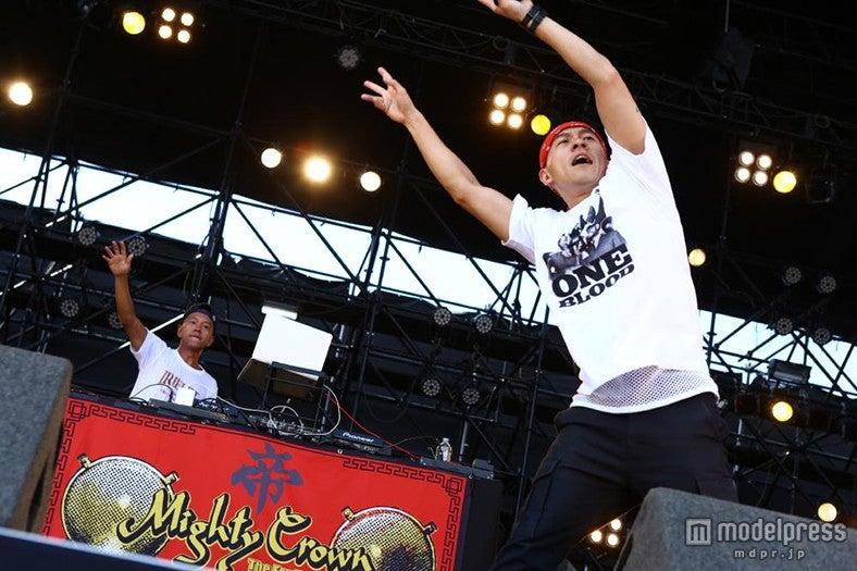 サマソニ初出演「MIGHTY CROWN」アドブブセットでビーチ熱狂「レゲエも日本の音楽文化だ!」<SUMMER SONIC 2015>【モデルプレス】