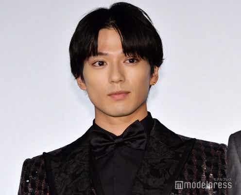 新田真剣佑、来年4月に事務所との契約終了 海外で活動へ