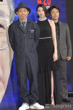 木梨憲武、三吉彩花、佐藤信介監督 (C)モデルプレス