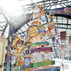 東京ディズニーランド/ワールドバザールのセレブレーションタワー/デコレーション/東京ディズニーランド(C)モデルプレス(C)Disney