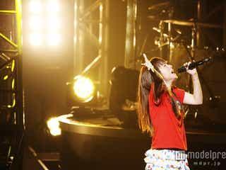 aiko、トリプルアンコールで観客熱狂の渦に 全国ホールツアー千秋楽<セットリスト>