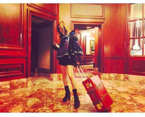 紗栄子、スラリ美脚際立つショートパンツファッションに「ママに見えない」「憧れる」と反響