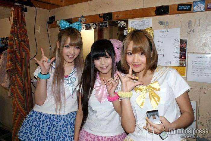 初のワンマンライブを開催したGALDOLL(左から:江崎奈々帆、西永嶺花、坂井樹乃)