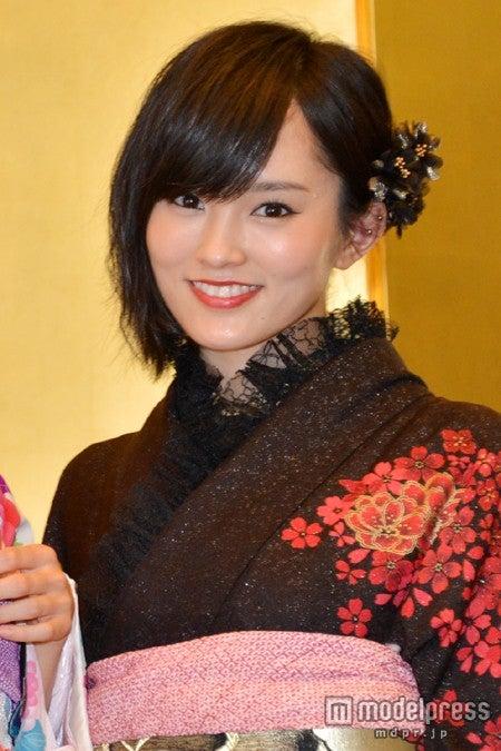 東京・千代田区の神田明神で行われた「AKB48グループ 2014年成人メンバー 成人式記念撮影会」に参加した山本彩