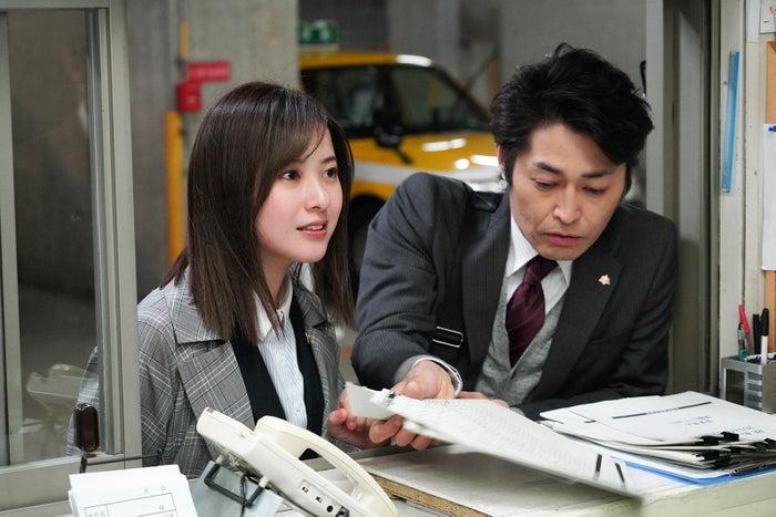 吉高由里子、安田顕/「正義のセ」第1話より(C)日本テレビ