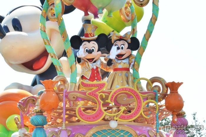 15日より開催する東京ディズニーランドの新しいお昼のパレード「ハピネス・イズ・ヒア」