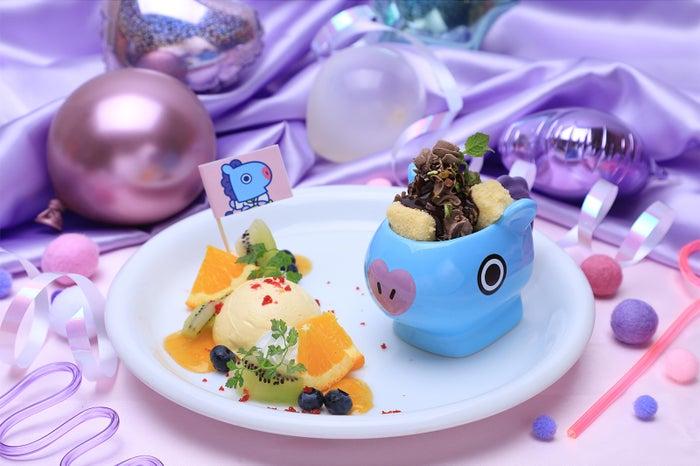 DESSERプレートケーキ (チョコケーキ) 1,290円(C)BT21
