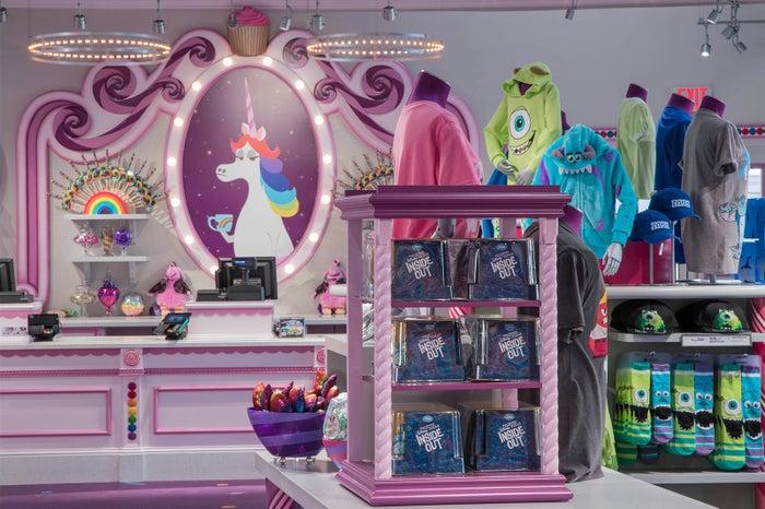 ピクサー・ピアにオープンした「Bing Bong's Sweet Stuff」(C)Disney (C)Disney/Pixar
