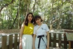 新木優子&emma、癒やしの福岡2人旅へ イルカ調教体験&極上サンセットにうっとり