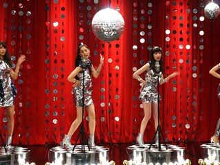 新木優子・森絵梨佳・太田莉菜・久松郁実、セクシー衣装で歌って踊る姿が可愛い!抜群スタイルに釘付け