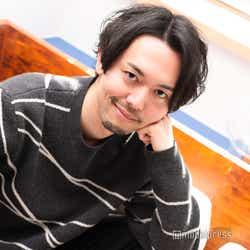 新野俊幸 (C)モデルプレス