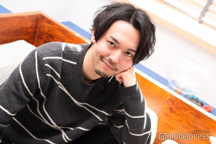 新野俊幸(C)モデルプレス