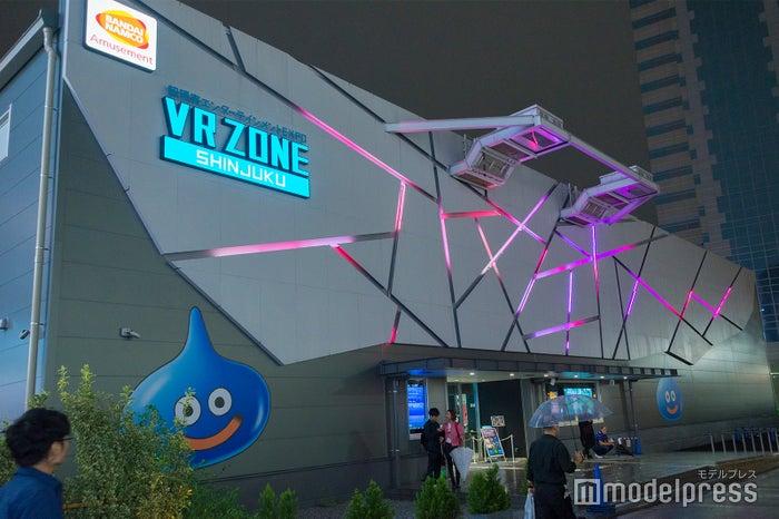 「VR ZONE SHINJUKU」外観(C)モデルプレス