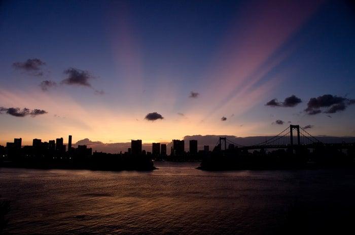 東京湾のマジックアワー/photo by ぱくたそ(photo:Bauer-INABA)
