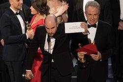 アカデミー賞最大のハプニング、原因は人的ミス 「ラ・ラ・ランド」エマ・ストーン落胆