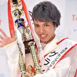 モデルプレス - 「ホリプロTSC」男女混合大会初、男性がグランプリ獲得 ギャップも魅力の定岡遊歩さん