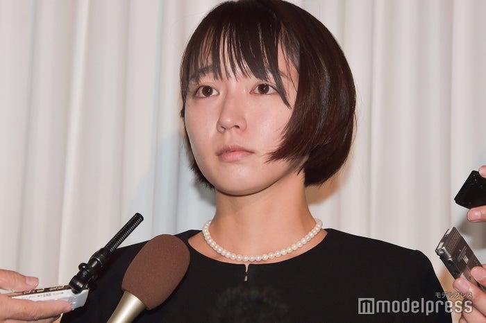 吉岡里帆、事務所社長の死に号泣...