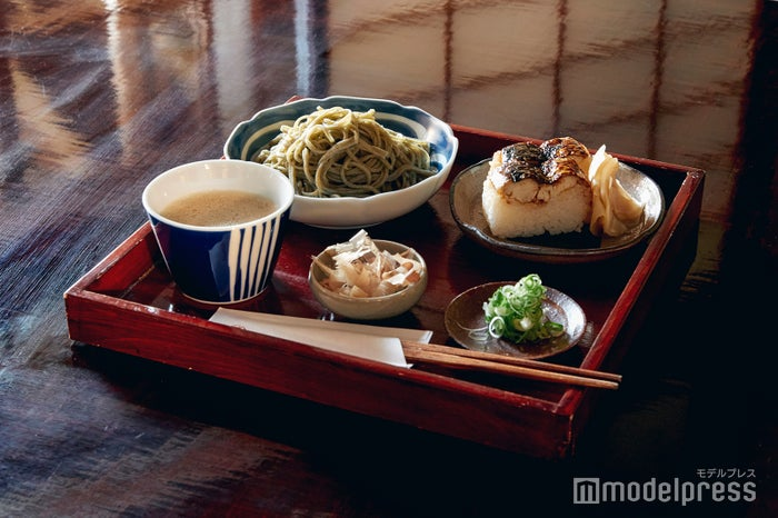鯖の押し寿司セットも美味しいので、こちらもおすすめ。(C)モデルプレス