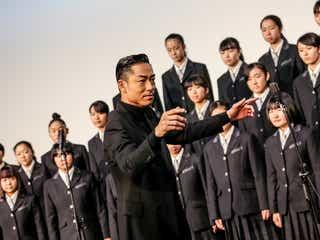 EXILE AKIRA「東京ドームより緊張」 堂々披露で絶賛される<この道>