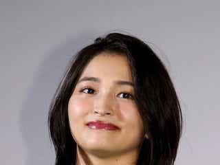 岡本玲、プロ級の腕前…!手編みのカーディガンに絶賛の声「売り物みたい」「女子力高い」