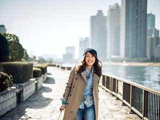 里田まい、NYライフを語る 女性誌初となる連載もスタート