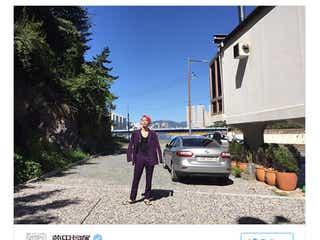 """菅田将暉、ド派手なピンク髪で釜山に""""参上"""" 「オーラがすごい」と反響"""