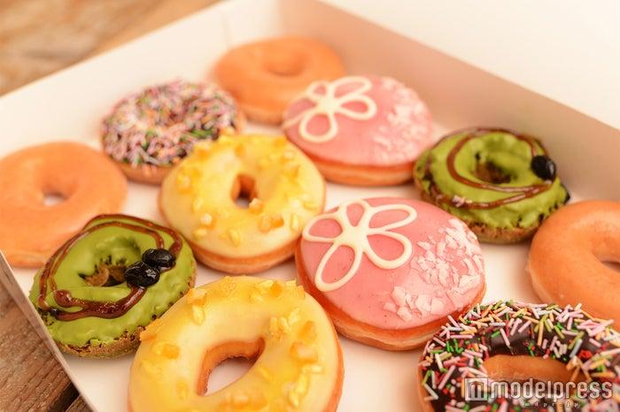 ほっこり色合いと和の味が魅力的!クリスピー・クリーム・ドーナツの春の限定商品を食べてみた(C)モデルプレス