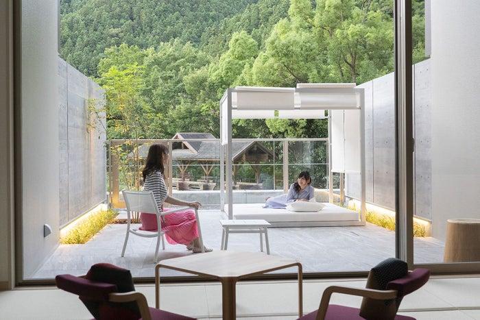 アウトドアリビングの客室和モダン遊/画像提供:一般財団法人休暇村協会