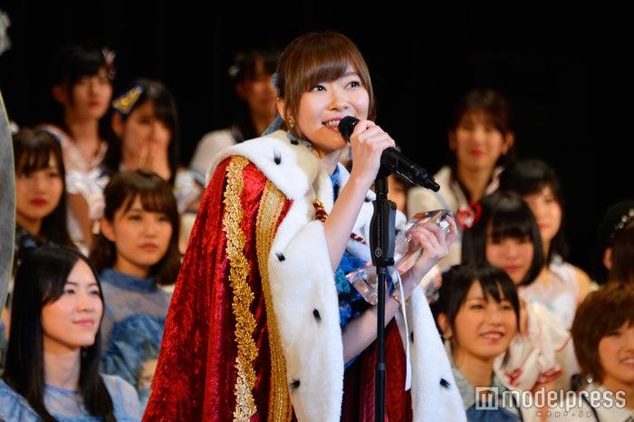昨年の選抜総選挙より「AKB48 49thシングル選抜総選挙~まずは戦おう!話はそれからだ~」HKT48指原莉乃 (C)モデルプレス