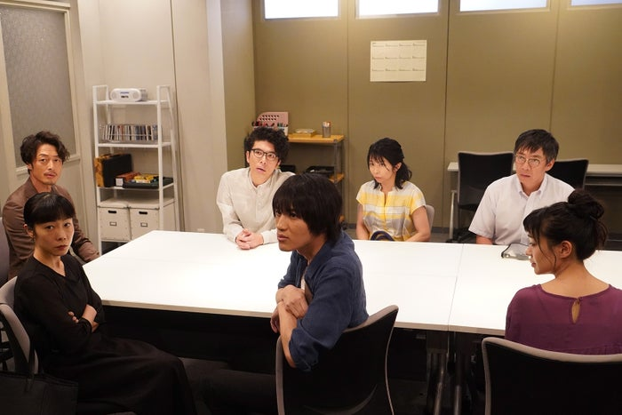 西村は住民会の新たな会長に立候補した「あなたの番です」第11話より(C)日本テレビ