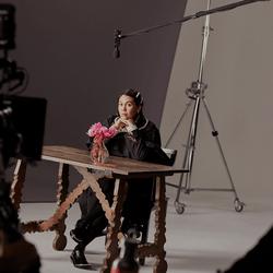 H&M、2021春にシモーネ・ロシャとのコラボレーションを発表