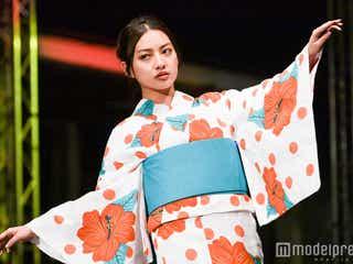 注目のSサイズモデル・西田奈未、しっとり浴衣姿に会場釘付け 台湾の水上で煌く<ASIA FASHION AWARD 2017>
