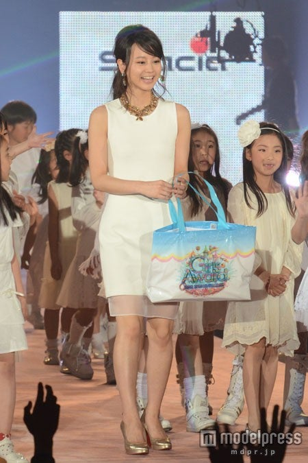 「GirlsAward 2013 SPRING/SUMMER」に出演した堀北真希