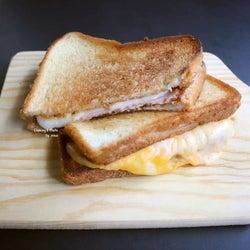 悪魔的なおいしさ!あの映画のチーズトーストの作り方