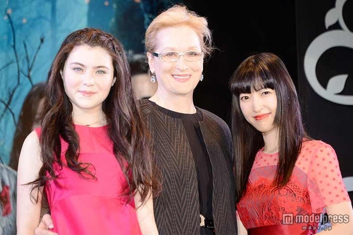 「イントゥ・ザ・ウッズ」ジャパンプレミアに登場した(左から)リラ・クロフォード、メリル・ストリープ、神田沙也加【モデルプレス】