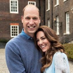 ウィリアム王子&キャサリン妃が結婚10周年! 最新ポートレイトが公開。