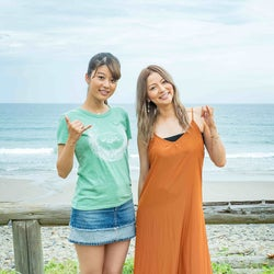 """馬場ふみか&香里奈が種子島で""""可愛すぎるオフショット"""" 吉沢…"""